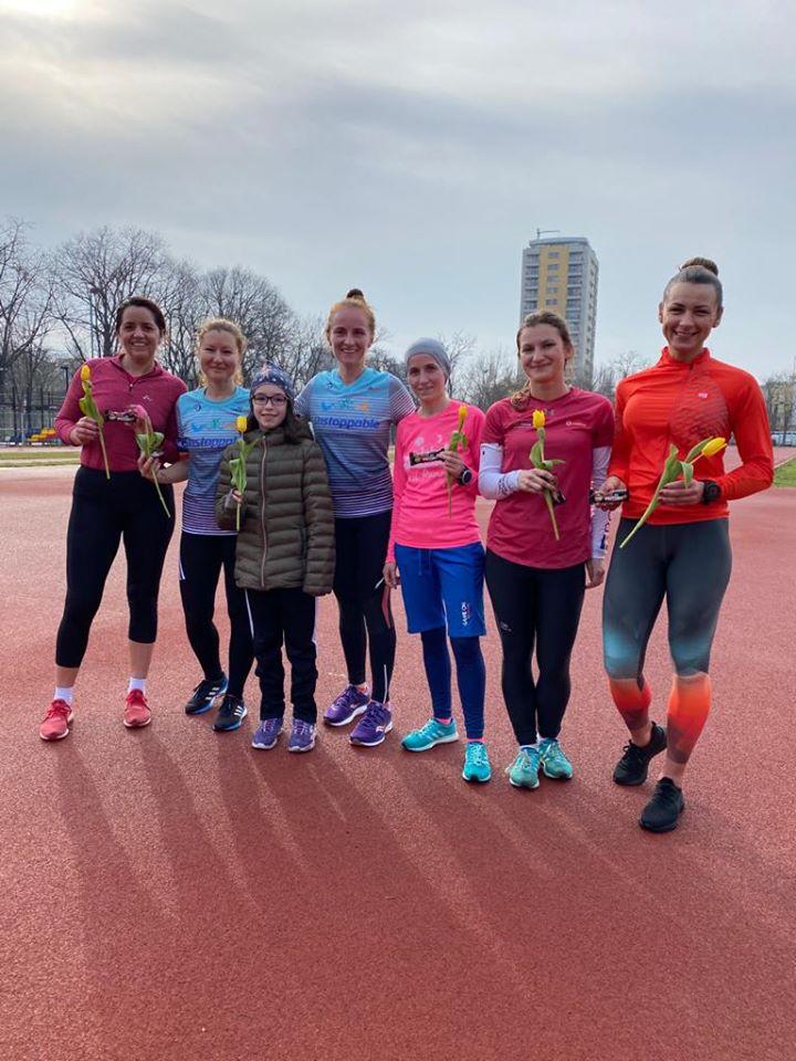 Iulia Florea - colegi Unstoppable Sport Club